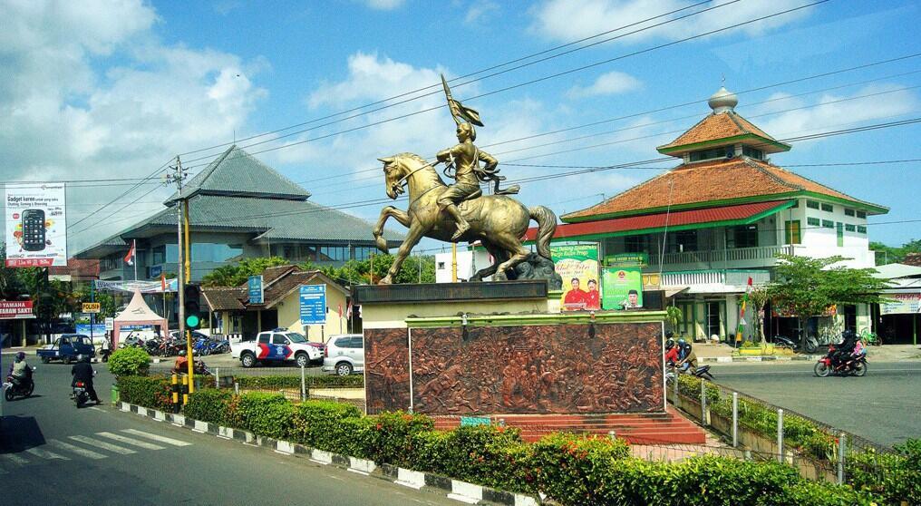 9 Patung Pahlawan Paling Megah Dan Bersejarah di Indonesia