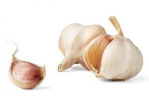 12 Manfaat Bawang Putih Bagi Kesehatan & Kulit