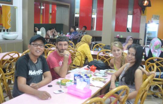 Mengenal 15 Jenis Pempek Palembang, Bule Aja Suka!!! [PICT]