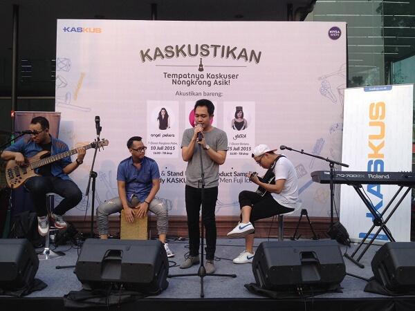 FR KASKUSTIKAN Asik di 7 Eleven Bareng Artis Paling Hits di Ibukota!