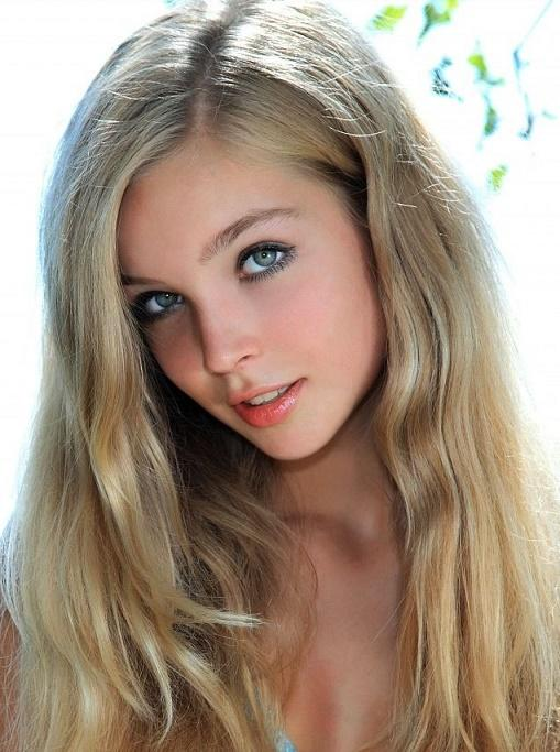 casting naked solo teen pics