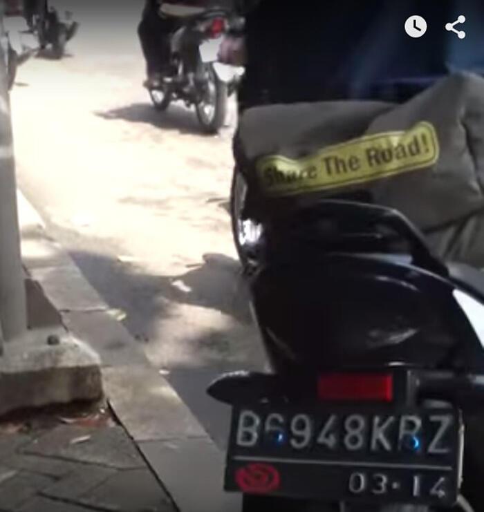 [Mantabz Gan!] Beginilah Aksi Nekat KoPK, Demi Trotoar Tanpa Sepeda Motor