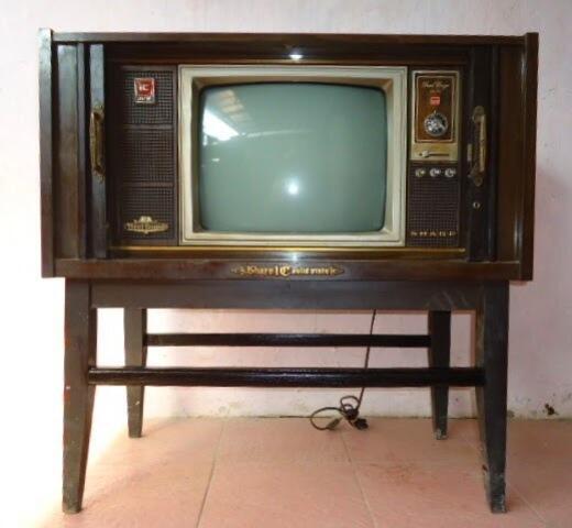 Kenangan Saat Televisi Masih Menjadi Barang Langka dan Mewah