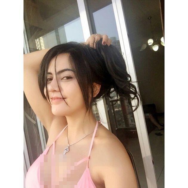 Hot Sexy Foto Foto Anggita Sari Saat Pakai Bikini Seksi Awas