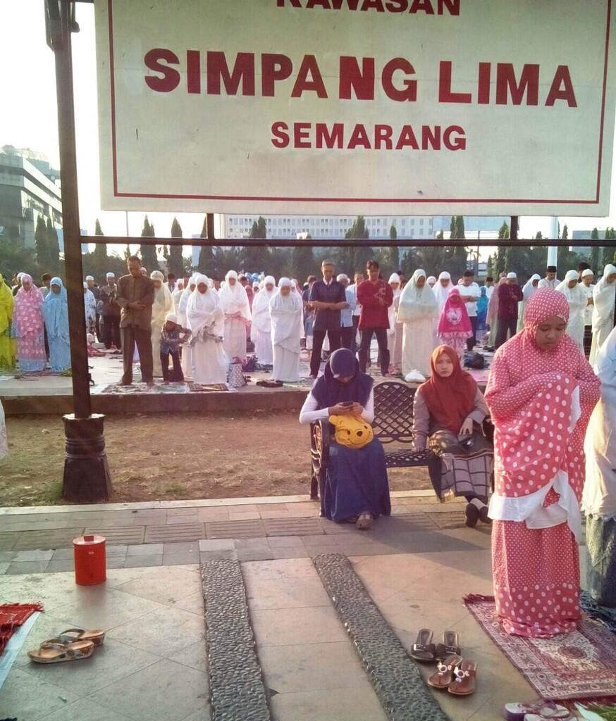 Sholat Iedul Adha Di Simpang Lima Semarang Tidak Sesuai Ajaran Islam?!