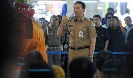 MANTAP, Ahok Bakal Babat Habis Papan Reklame di Jakarta.