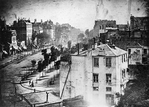 20 Foto Pertama yang Paling Bersejarah di Dunia (Part 1)