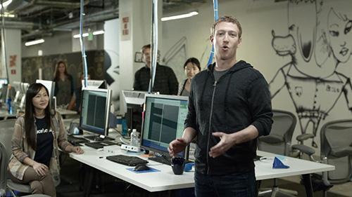 Kamu Pasti Terkejut Kalo Tahu Dimana Sebenarnya Lokasi Bos Facebook Ini Bekerja!