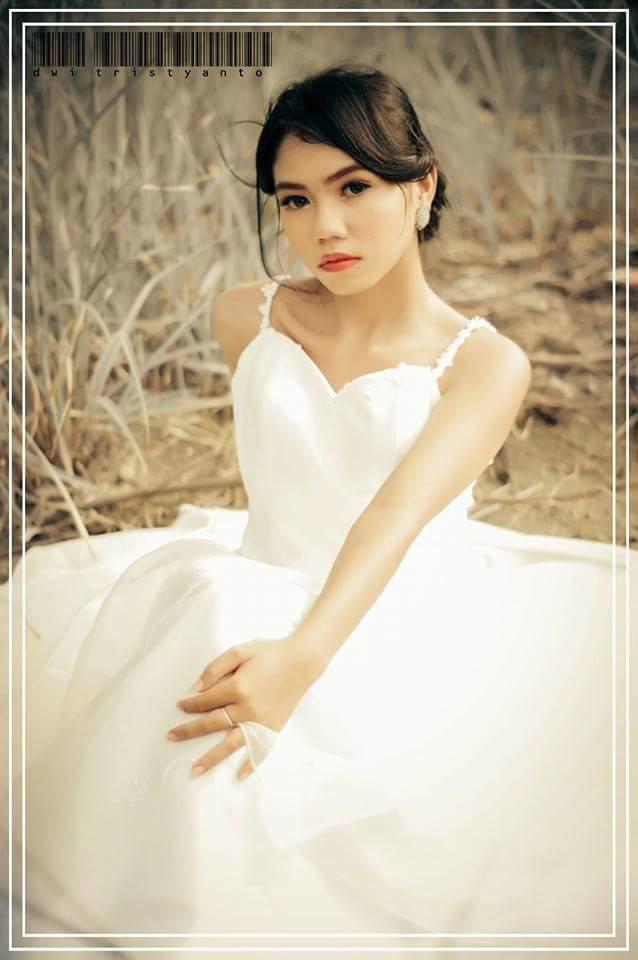 Jasa fotografi Wedding, prewedding, personal, group, couple, brand & by request