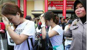8 Perempuan Cantik Tiongkok & Taiwan Digelandang Polisi di Surabaya