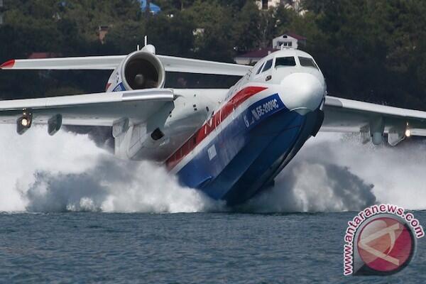 Beriev Be-200 sewa dari Rusia tiba di Palembang