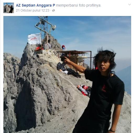 JANGAN DITIRU YA PENDAKI INI ( CCTV pemantauan Gunung Merapi terhalang bendera)