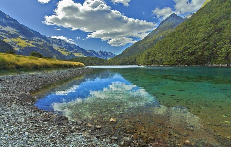 Foto Blue Lake, Danau Paling Bening Didunia
