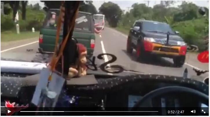Kelakuan Member TKCI yg Arogan serta Ugal - Ugalan membahayakan pengguna jalan lain