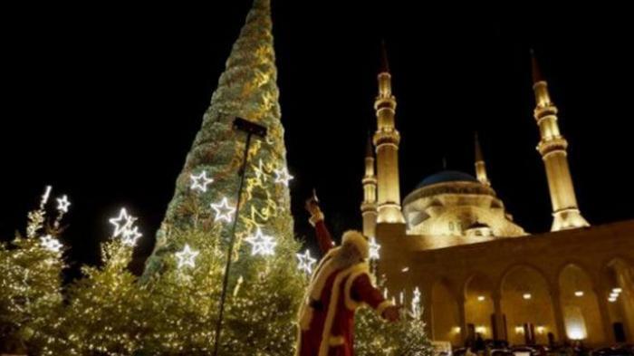 Masjid di Lebanon Dihiasi POHON NATAL