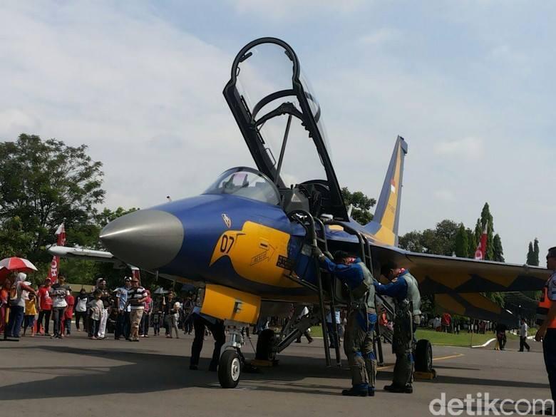 [Breaking News!] Pesawat T-50 trainer jet TNI AU dilaporkan jatuh di Yogyakarta