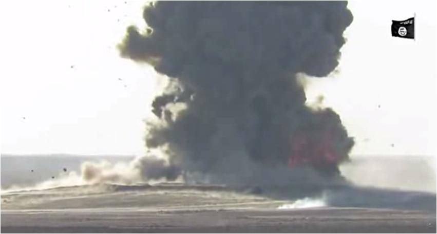 VIDEO: Bom mobil Spektakuler IS/ISIS Direkam via Drone, Wilayah Anbar