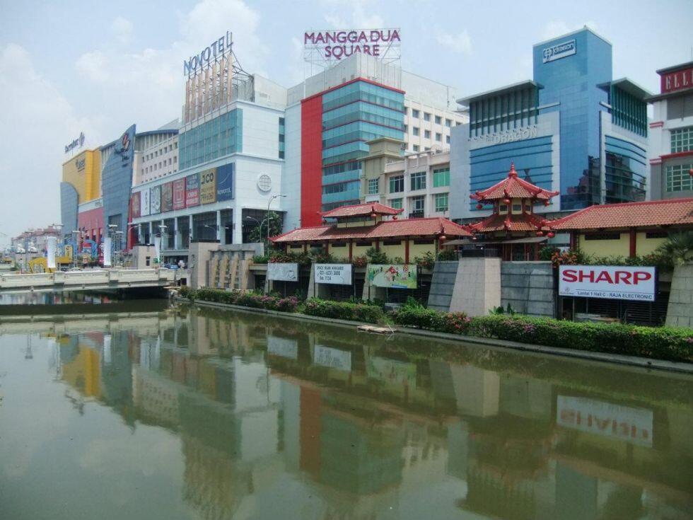 Pemandangan sungai Jakarta yang sempet bikin heboh netizen nih gan!