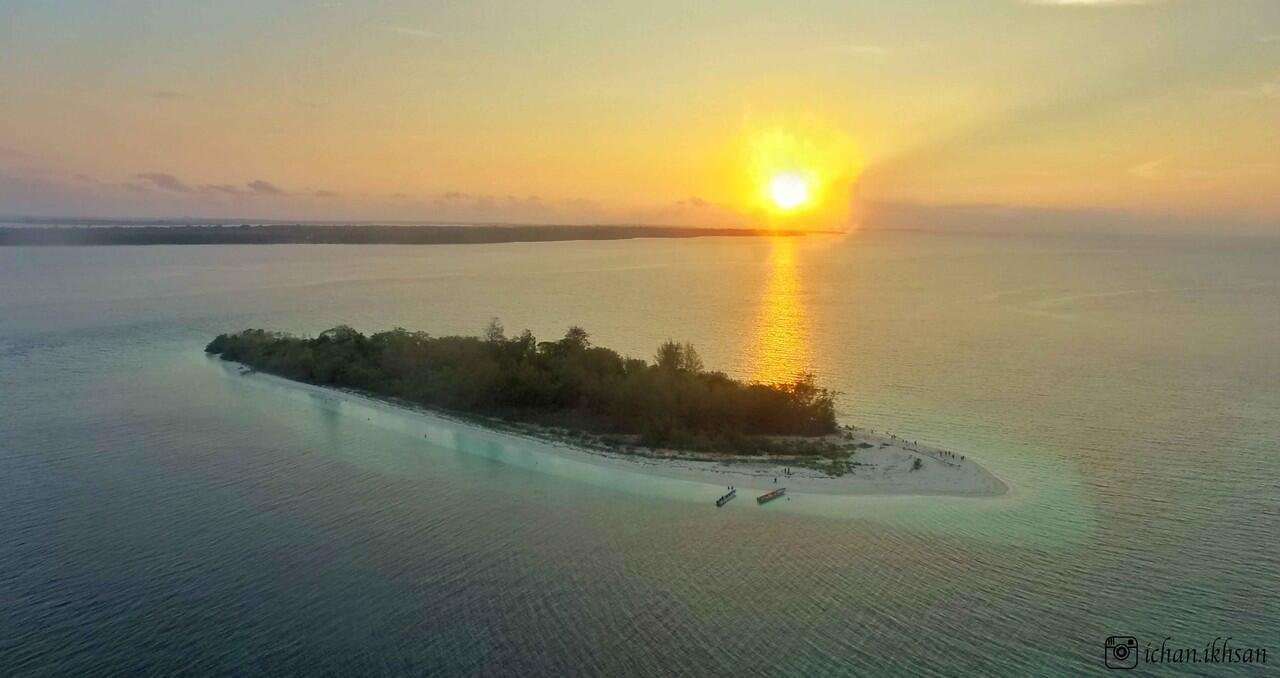 pulau adranan, sumber: kaskus