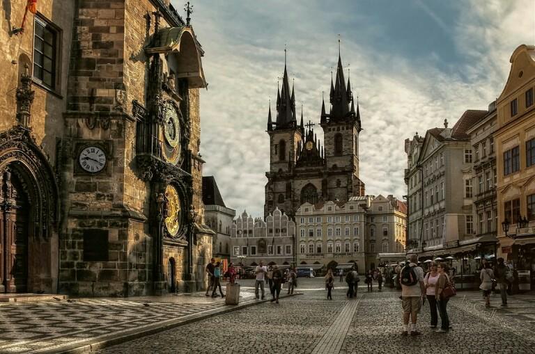 Lebih Pilih Mana Gan, Kota Bergaya Modern atau Klasik?