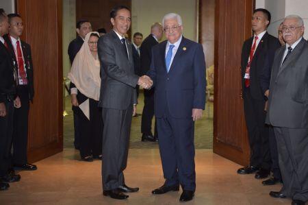 Presiden Jokowi Jamu Peserta KTT LB OKI dalam Acara Makan Malam