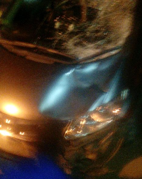 KEMBALI, pengendara mobil menabrak pejalan kaki