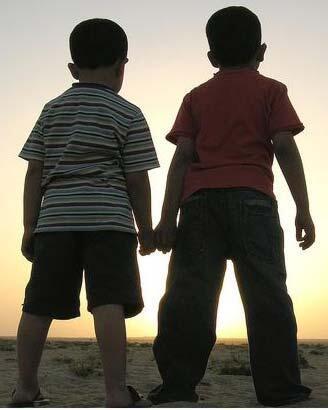 Cerpen Yang Pendek Tentang Sahabat atau Cinta?