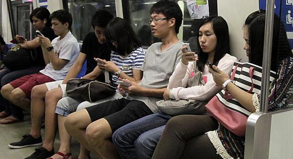 10 Tempat Ponsel Sering Hilang
