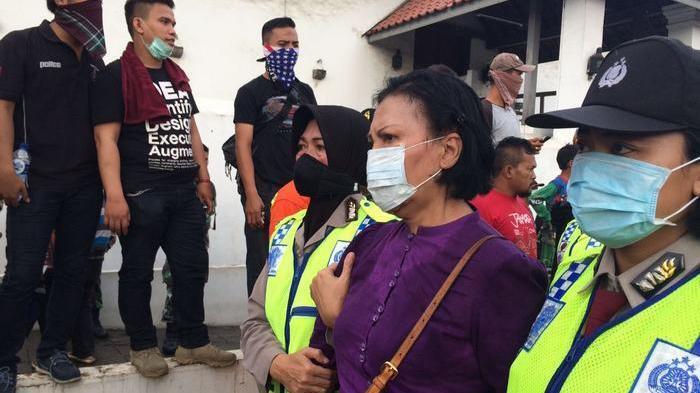 Diamankan Polisi, Ratna Sarumpaet Kecam Ahok