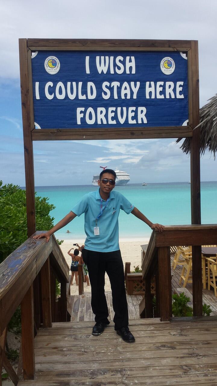 :) Kemana aja pertama kali agan pergi keluar negeri ?