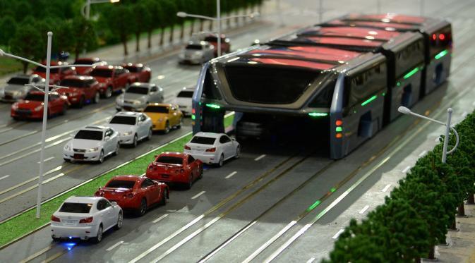 china akan membuat bus besar yang dapat mengangkangi jalan ini penampakannya kaskus. Black Bedroom Furniture Sets. Home Design Ideas