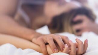 Kenapa Cewek Suka Jaim Ngomongin Seks?