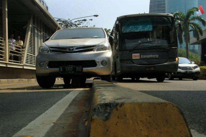Mobil Ahok dan kedutaan besar dilarang lewat jalur busway