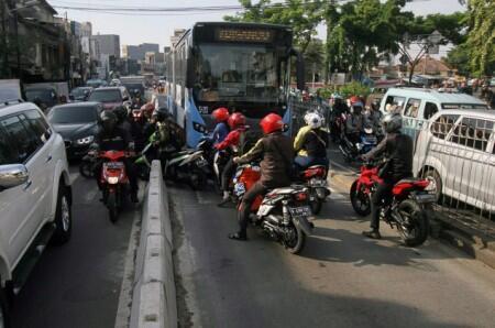 Mulai Besok, tak Ada Ampun bagi Penyerobot Jalur Transjakarta