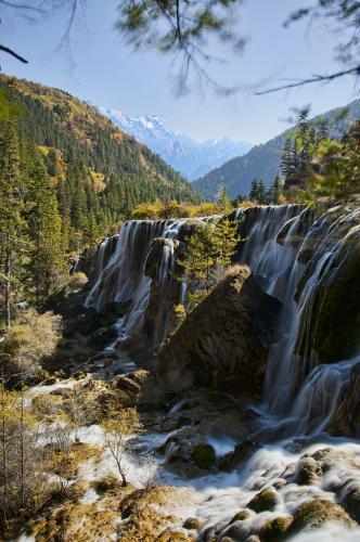 Pengen Tahu 5 Air Terjun Paling Indah yang ada di Negara Cina ?