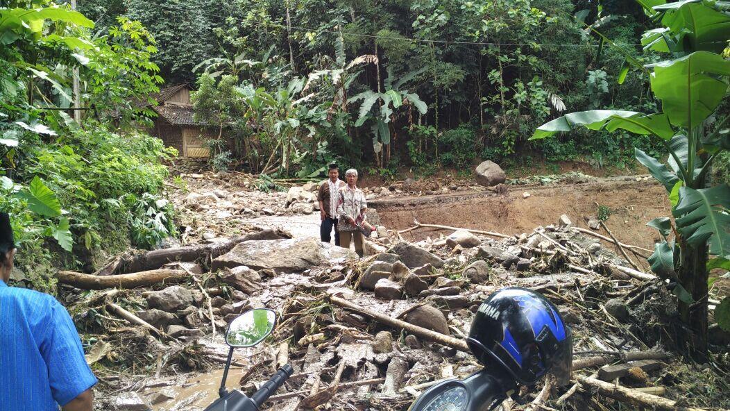 Longsored at Banjarnegara