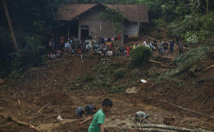 Banjir dan longsor melanda Jawa Tengah, 35 orang tewas
