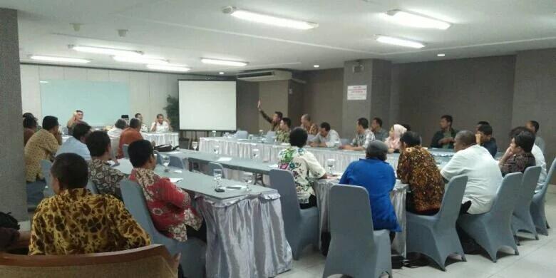 Relawan Jokowi Siapkan Risma dan Djarot untuk Saingi Ahok