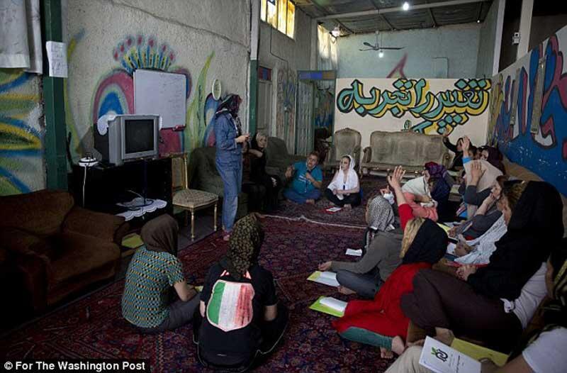 """Belajar dari Sisi Gelap Iran, Negeri """"Seribu"""" Narkoba dan Prostitusi"""