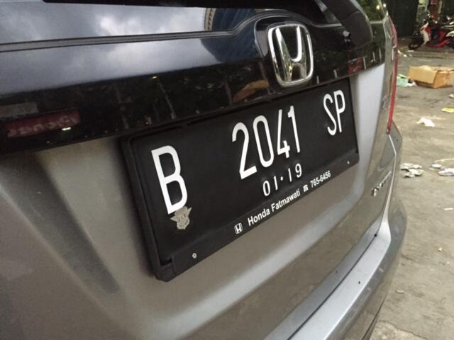 Plat nomor mobil Acrylik dgn lampu Led nyala di Huruf dan Angka