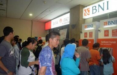 5 Karakter Orang Menyebalkan yang Ada di ATM