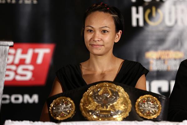 Petarung Wanita MMA (UFC) berparas cantik bak Model