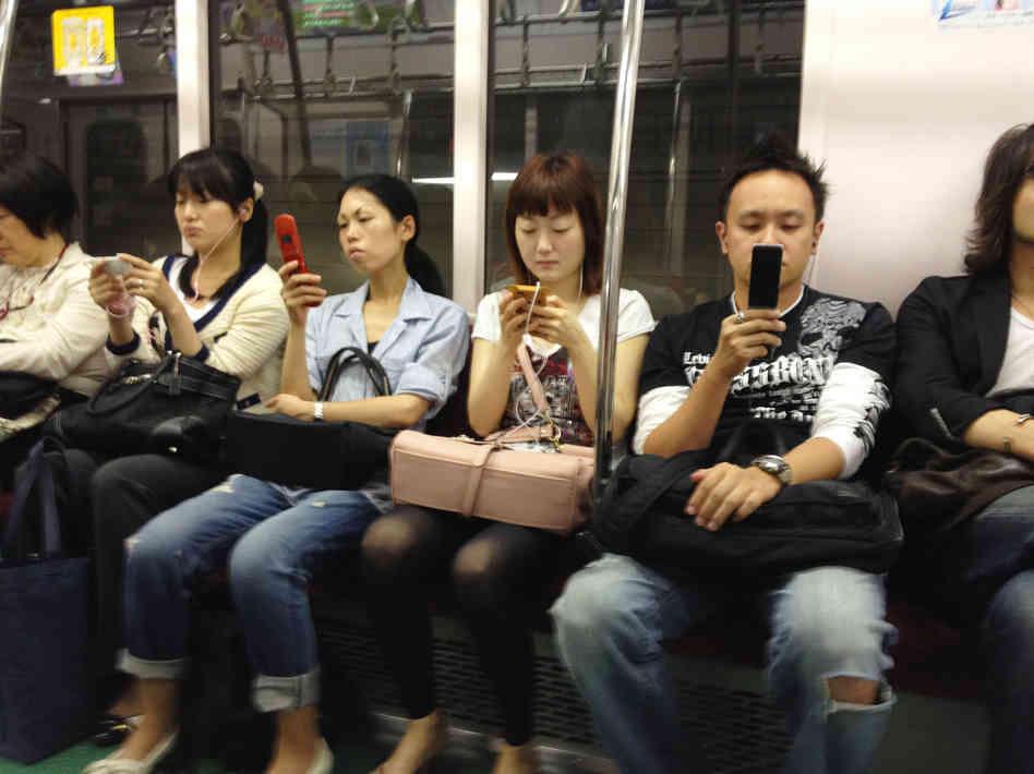Fenomena - Fenomena Yang Akan Ditemukan Pengguna Jasa Commuter Line JABODETABEK