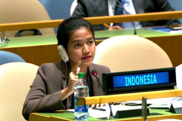 Nara Masista, diplomat muda di simpang pujian dan kritik
