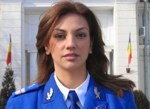Prajurit Wanita Militer Cantik Di Dunia