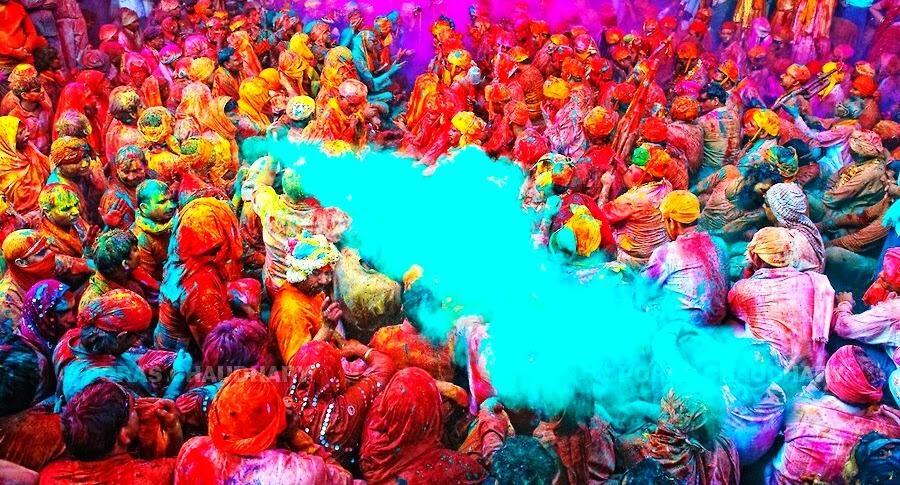 Udah Pada Tau Festival Holi dari India?