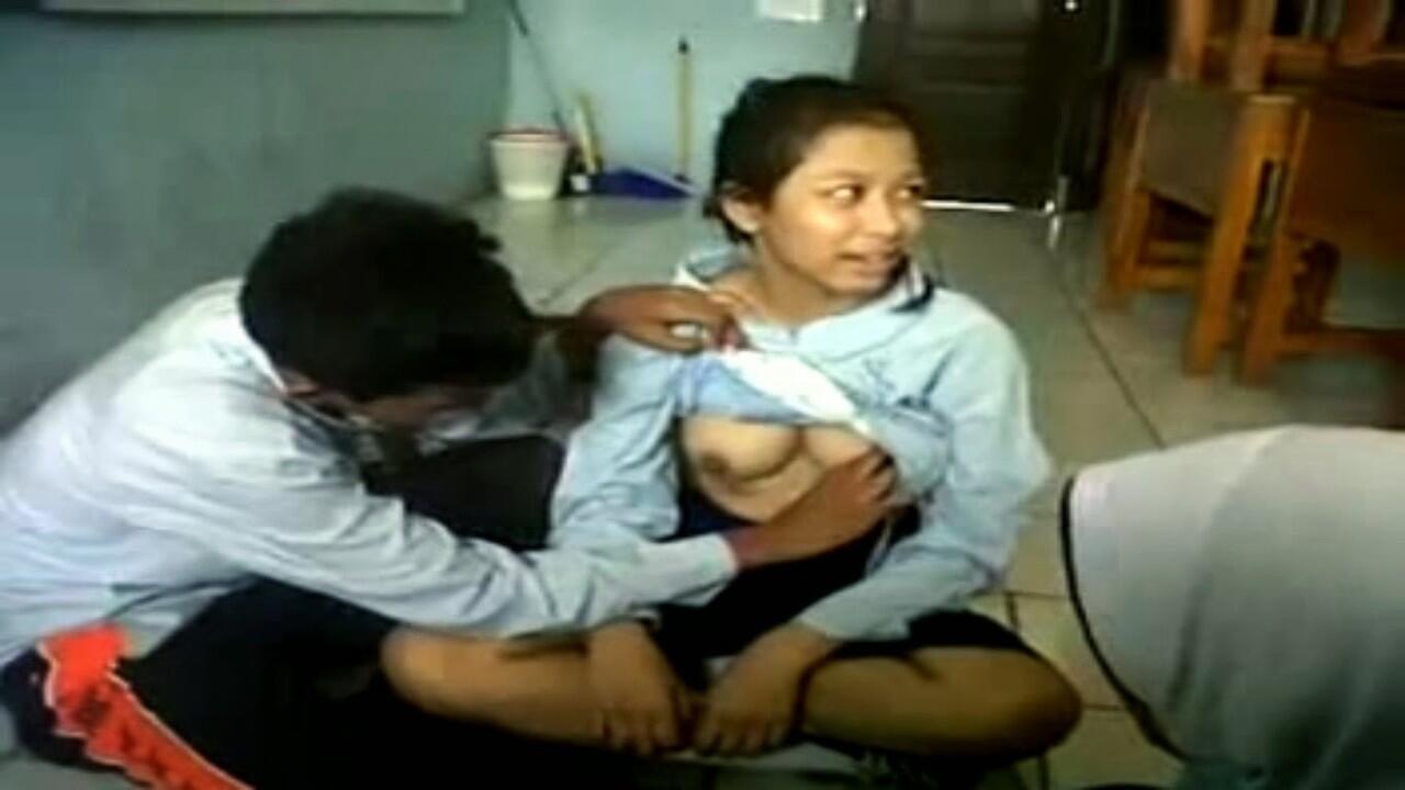 Anak SMP Mesum Di Warnet Video Bokep Sex Indo