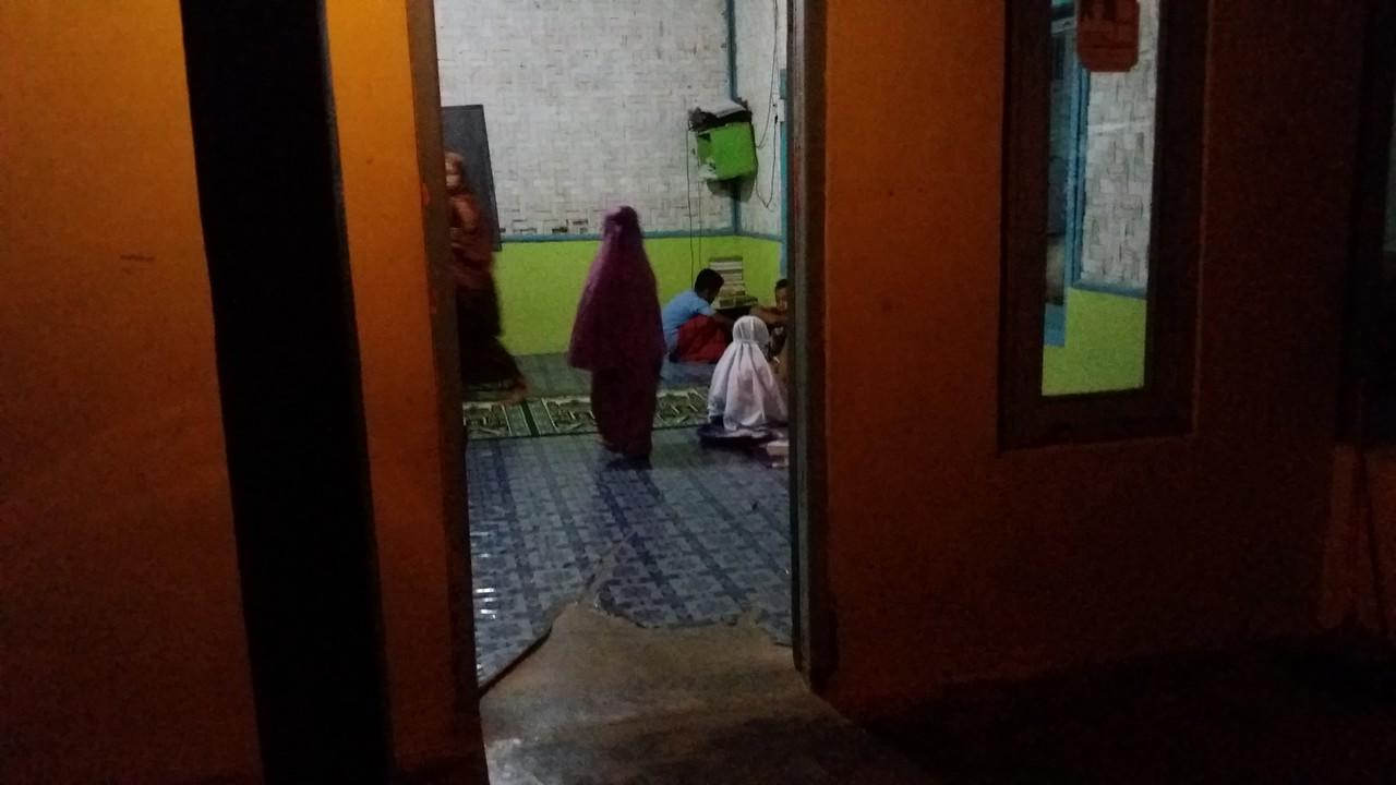 [FR] Baksos Bedah Mushola dan Santunan bagi Anak - anak TPQ