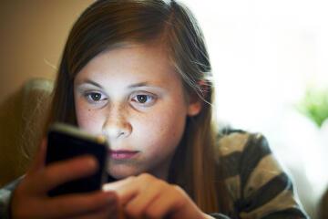 Hal Yang Akan Dilakukan Oleh Seorang Remaja Tukang Kepo
