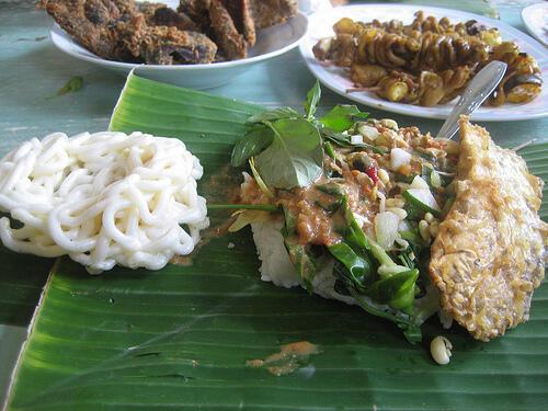 12 Menu Sarapan dari Berbagai Daerah di Indonesia :D